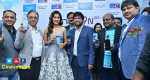 Raashi Khanna Launches Honer9 Smart Phone
